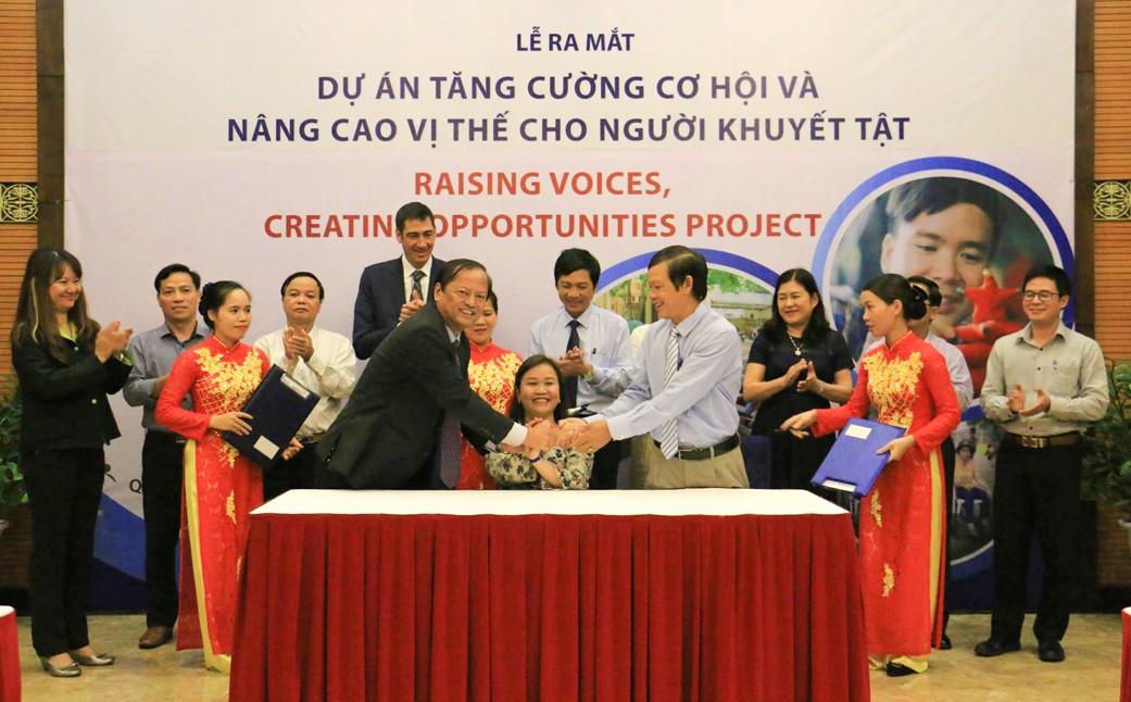 Lễ ký kết ra mắt Dự án Tăng cường cơ hội và nâng cao năng lực cho người khuyết tật tại Quảng Trị
